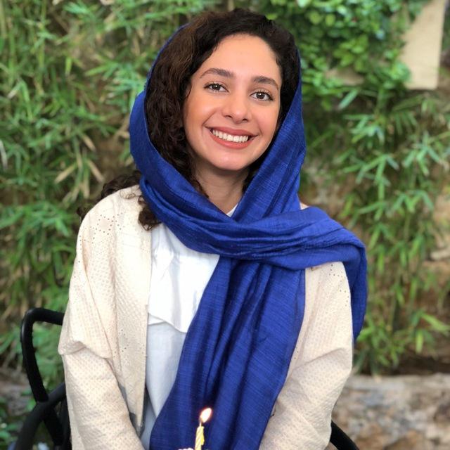 Niloofar Taheri-Sales Expert